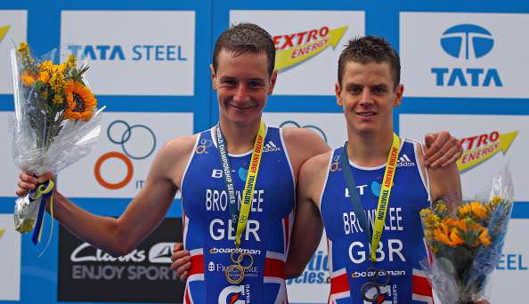 Alistair (L) and Jonathan Brownlee of Great Britain