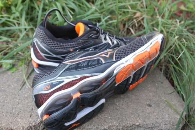 Mizuno Wave Creation 18 - Lateral Side