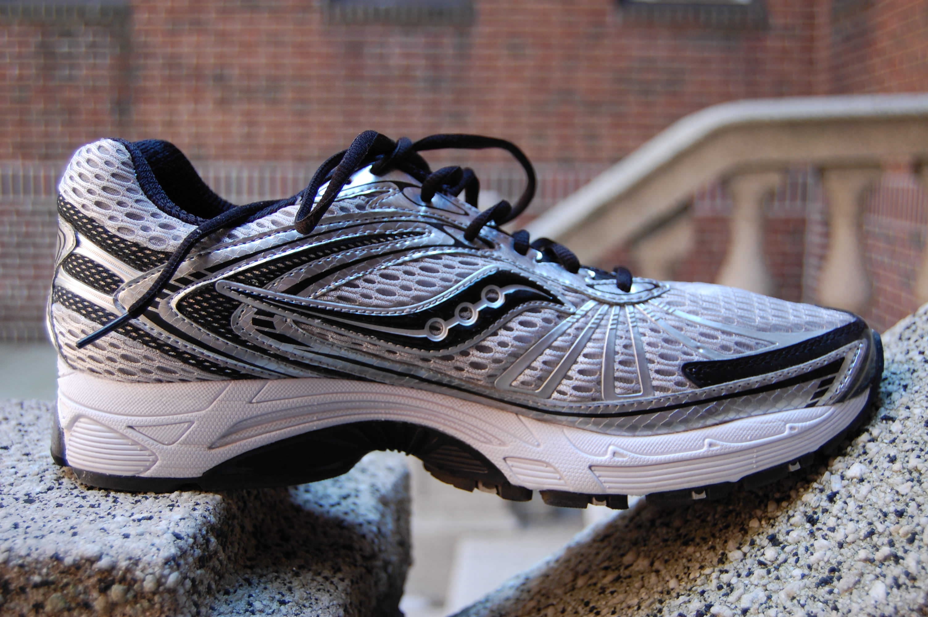 Saucony ProGrid Ride 4 Running Shoes