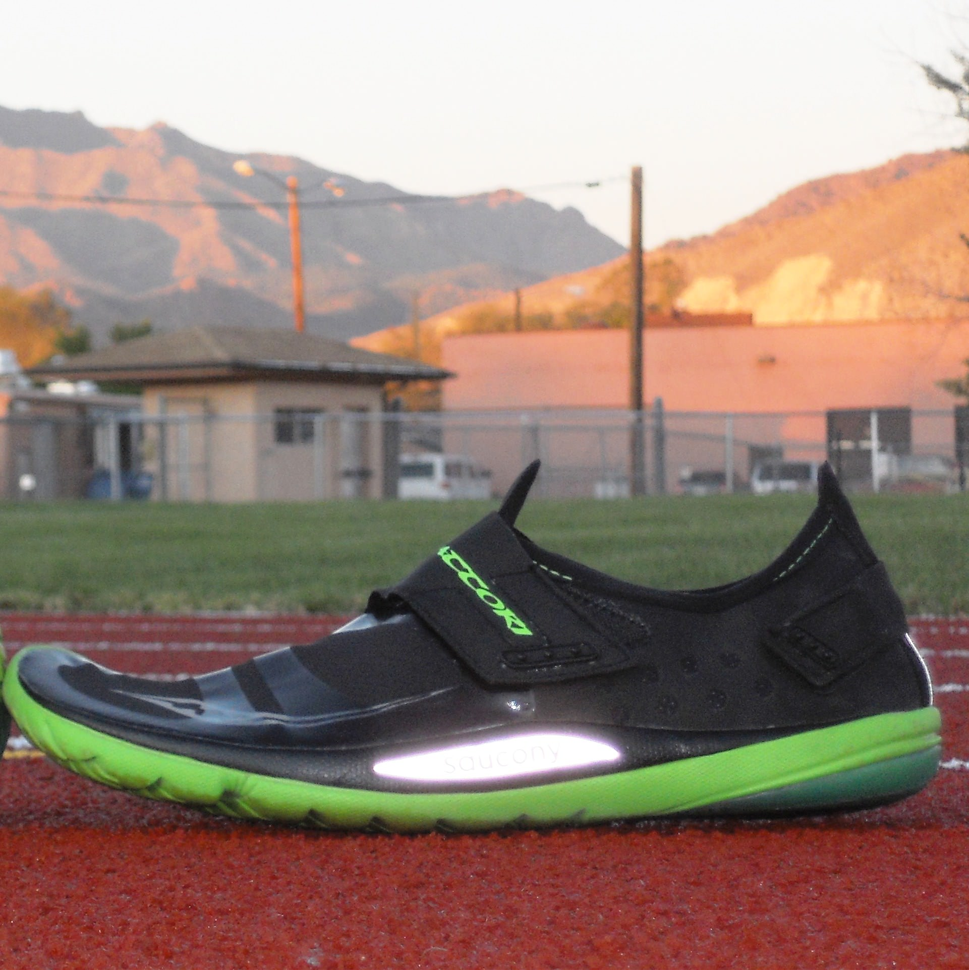 Saucony Hattori Running Shoes Review  44f2e9f07a4