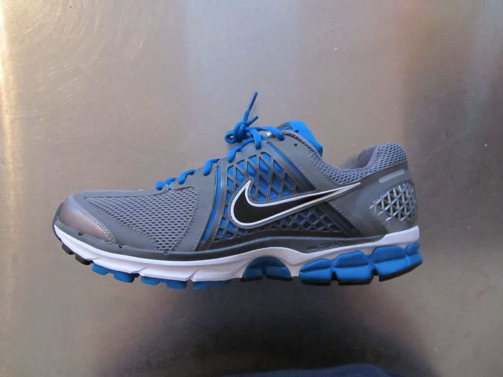 78c5332d49e ... Running Shoes Review. Nike Zoom Vomero 6 Lateral View