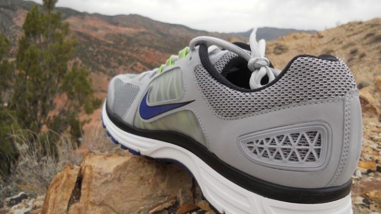 Nike Vomero 7 - Women - Size 10 - Grey/Coral - Worn a Only a Few Times