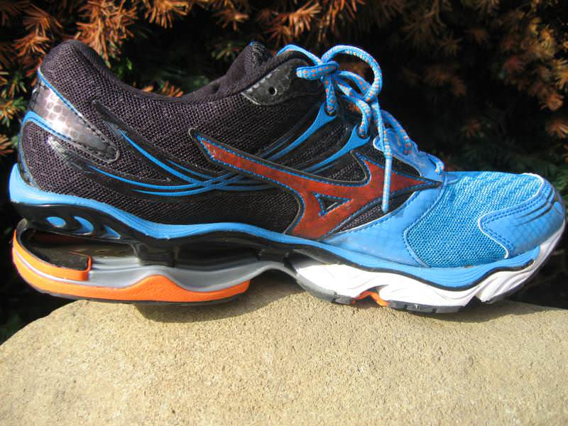 timeless design 5d4d8 37a43 Mizuno Wave Creation 14 - Medial Side 2