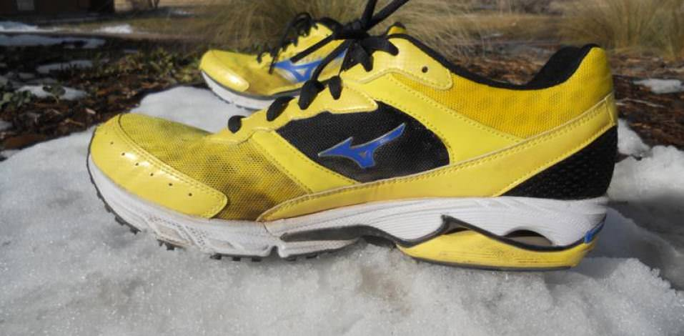 Mizuno Wave Rider 16 - Medial Side