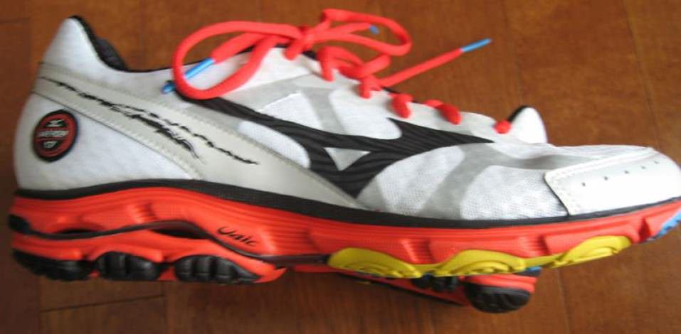 Mizuno Wave Rider 17 - Medial SIde