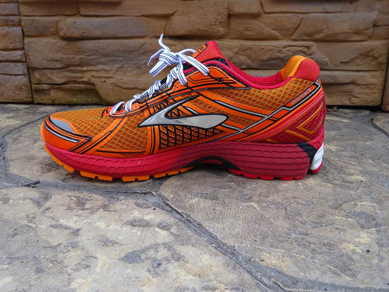 Brooks Ghost 10 Review (with Brooks Ghost 9 Running Shoes ...