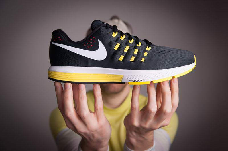 huge discount 83f6f 9d3cc Nike Zoom Vomero 11 Lateral Side