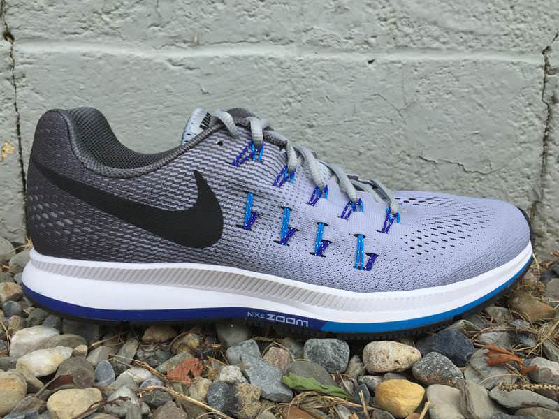 low priced e08d1 3f5d4 Nike Air Zoom Pegasus 33 - Lateral Side