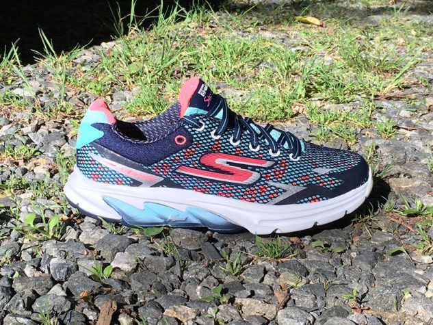 Skechers Performance GOmeb Strada 2 - Lateral Side