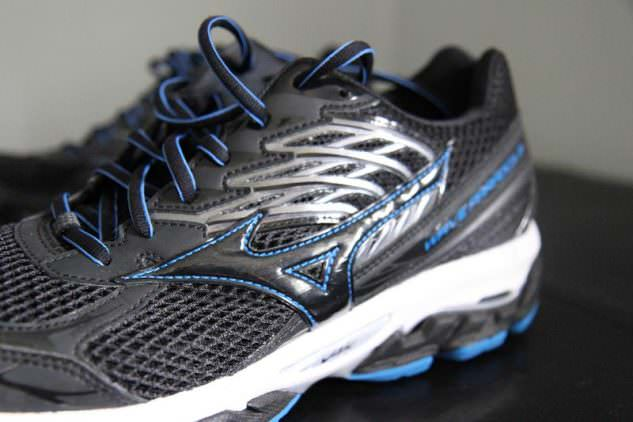 Mizuno Wave Paradox 3 - Lateral Side