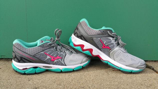 Mizuno Wave Horizon - Lateral Side