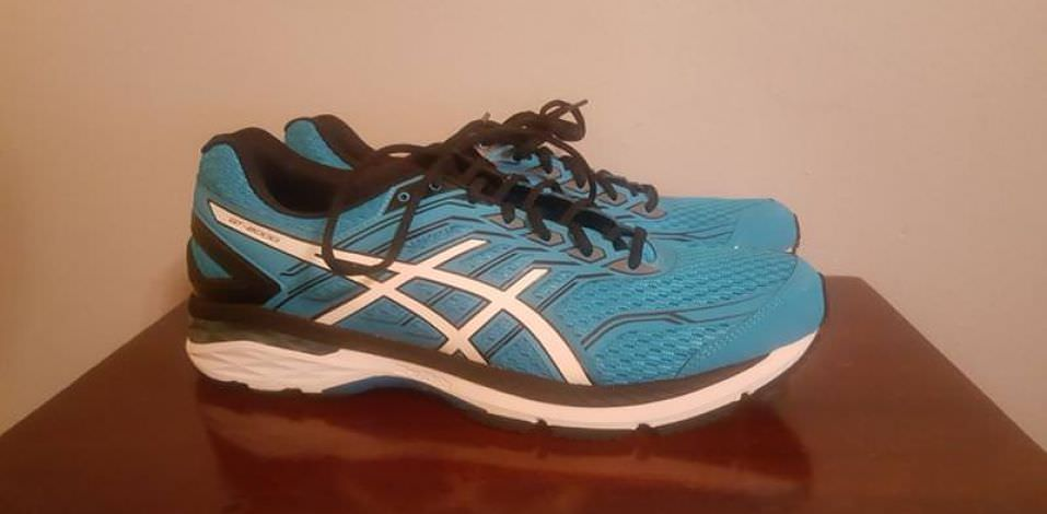 Asics GT-2000 5 - Lateral Side