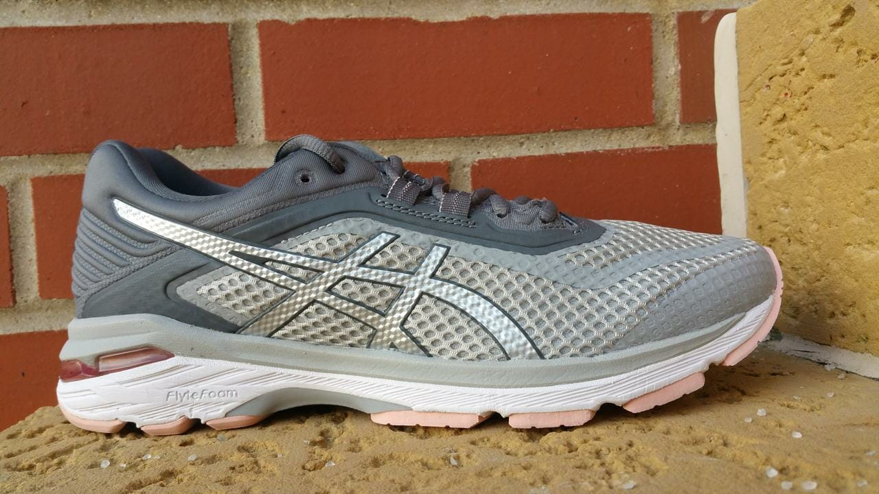 9c2c37f3f2e3 Asics GT 2000 6 - Lateral Side