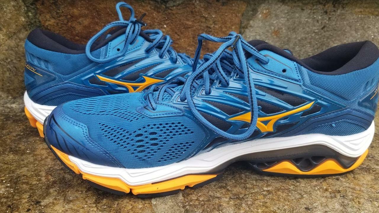 Mizuno Wave Horizon 2 | Running Shoes Guru