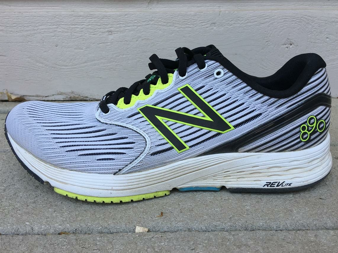 New Balance 890v6 - Lateral Side