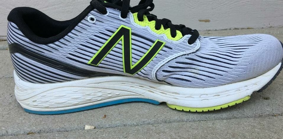 New Balance 890v6 - Medial Side