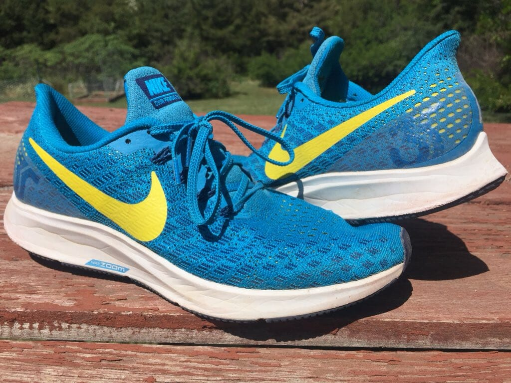 82539b61302 Nike Zoom Pegasus 35 - Lateral and Medial Side