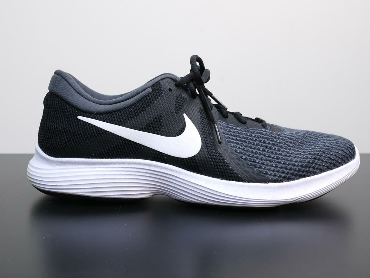 ec7b98fb528f5 Nike Revolution 4 - Lateral Side