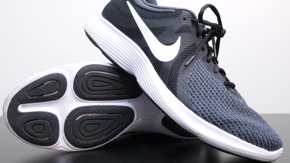 Nike Revolution 4 - Pair