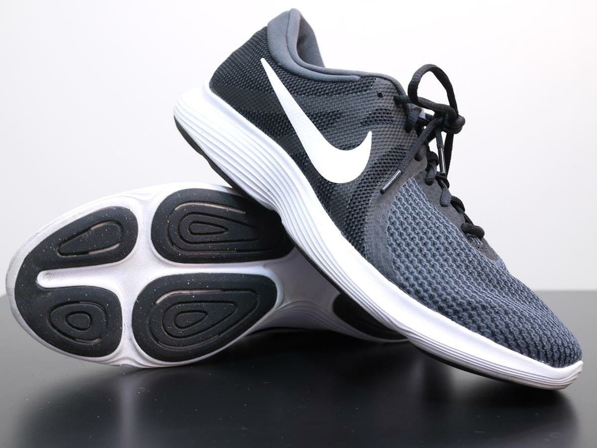 new arrival cae70 123ca Nike Revolution 4 - Pair