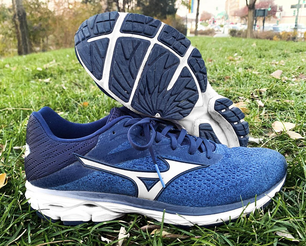 brooks ravenna vs mizuno wave inspire