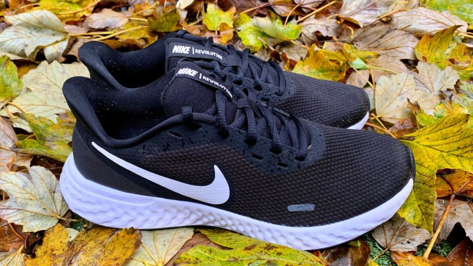 Nike Revolution 5 - Image 02