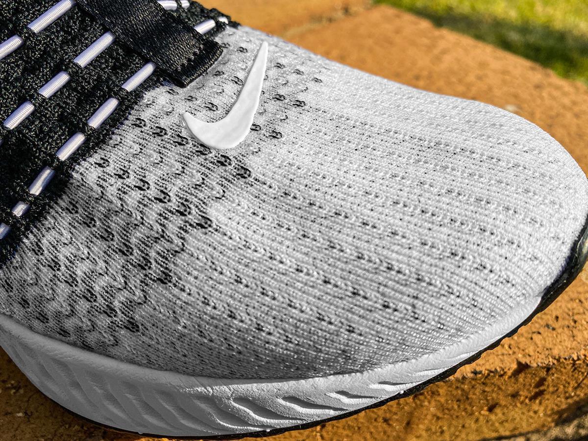 Nike React Phantom Run Flyknit 2 - Closeup