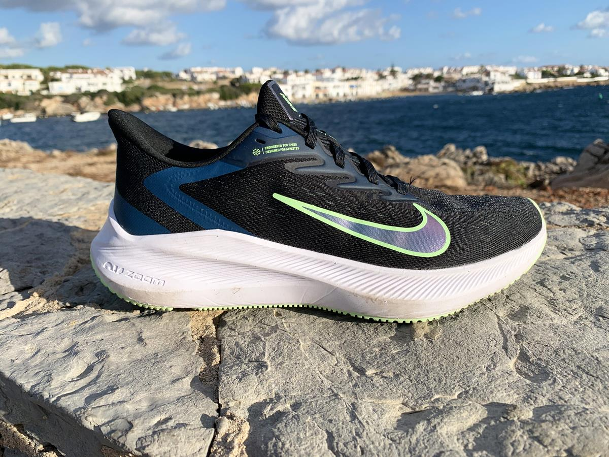 Nike Air Zoom Winflo 7 - Lateral Side