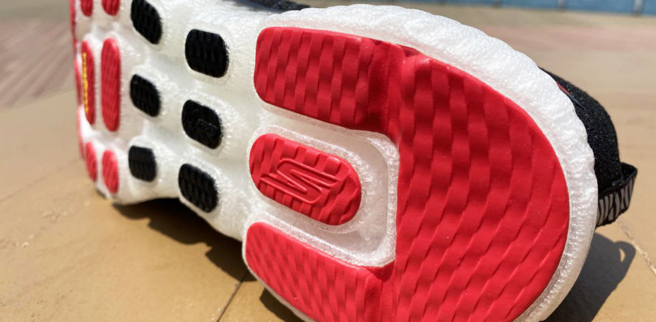 Skechers GOrun MaxRoad 4+ Hyper - Sole1