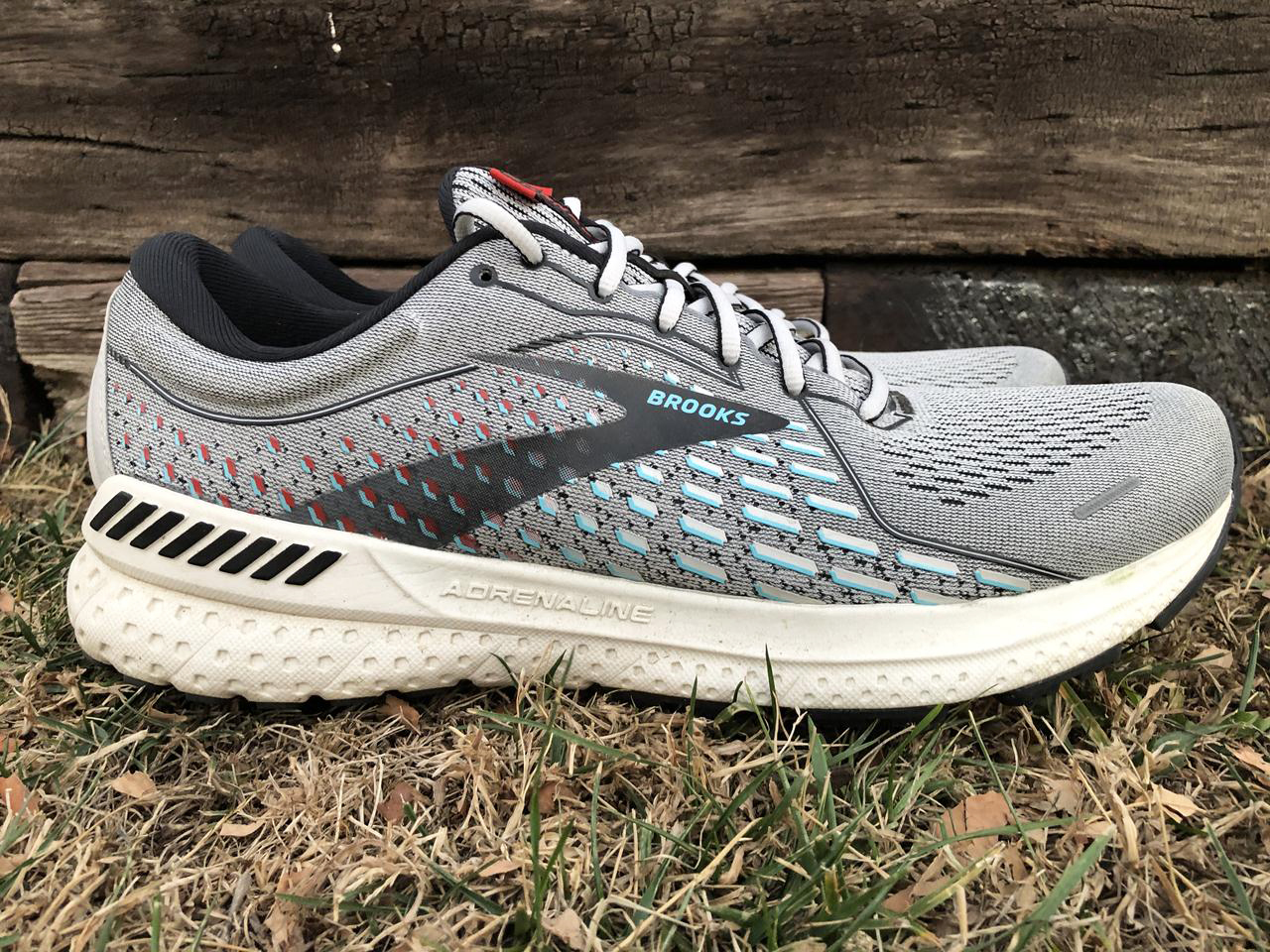 Brooks Adrenaline GTS 21 - Lateral Side