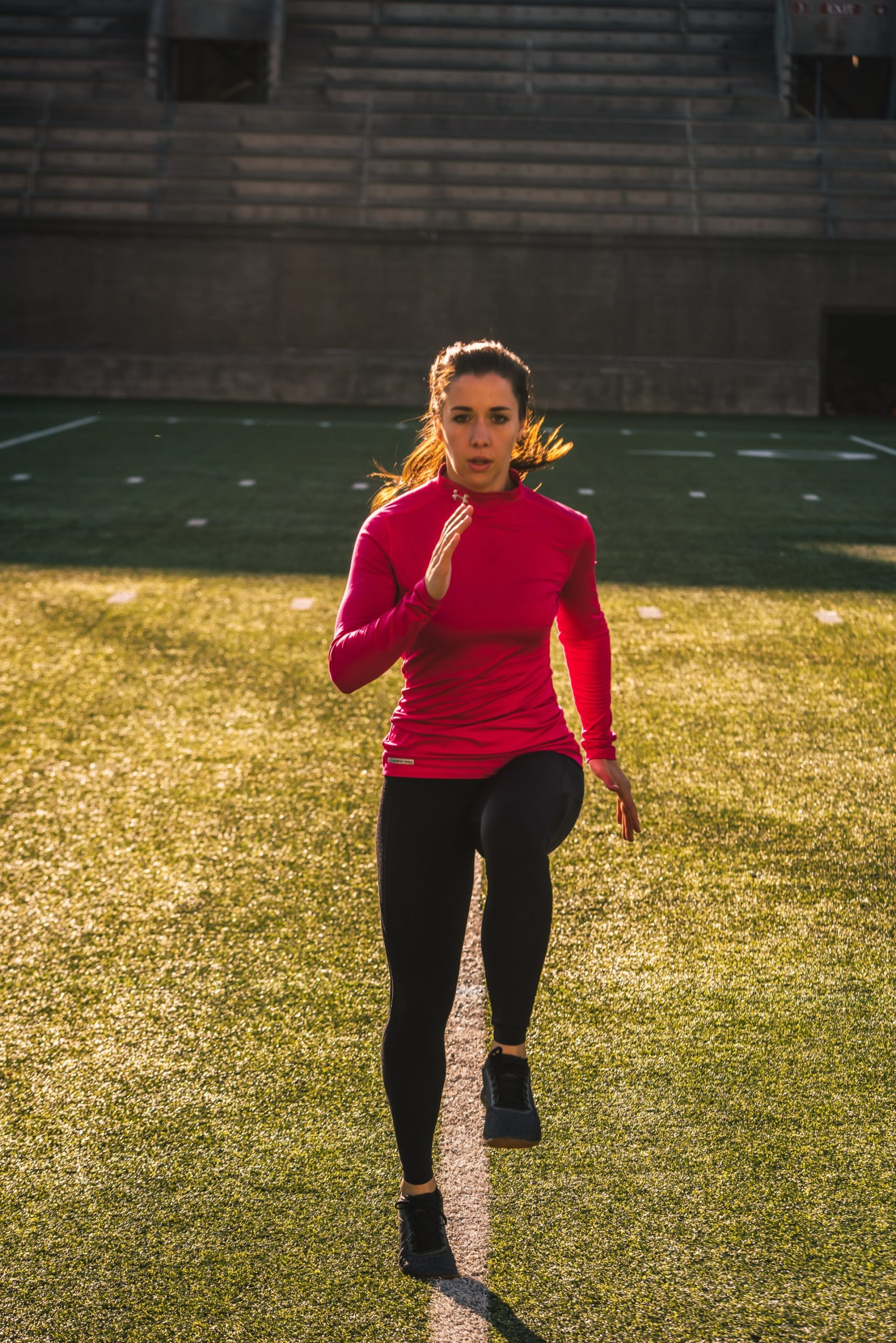 woman run technique training