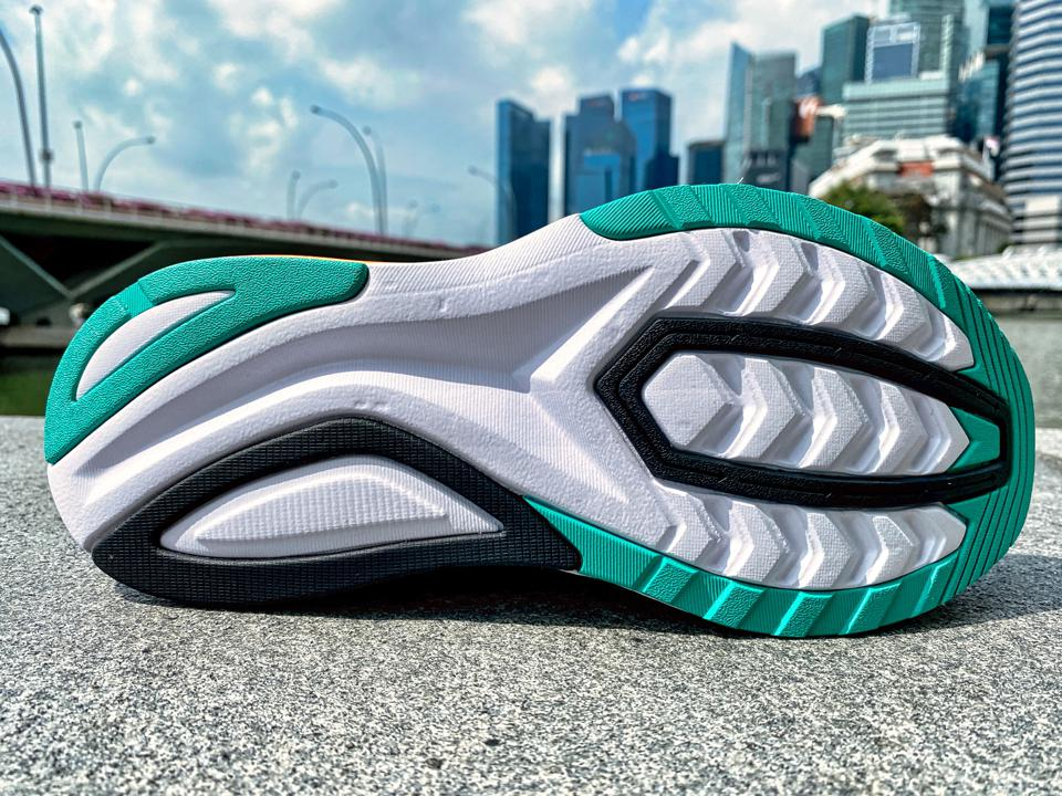 picture of Saucony Endorphin Shift 2 - copyright Running Shoes Guru